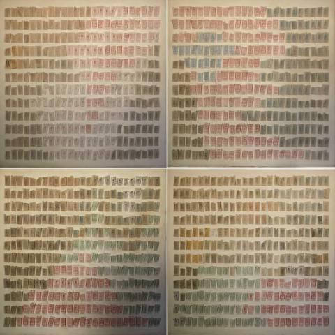 Título: Bueno Por Un Viaje (2013). 1200 boletos de camión sostenidos por alfileres en cuatro paneles de madera.
